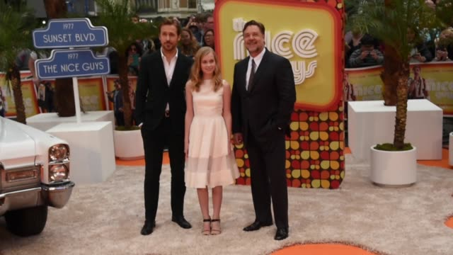 stockvideo's en b-roll-footage met angourie rice, russell crowe and ryan gosling attend 'the nice guys' uk premiere at odeon leicester square on may 19, 2016 in london, england. - russell crowe