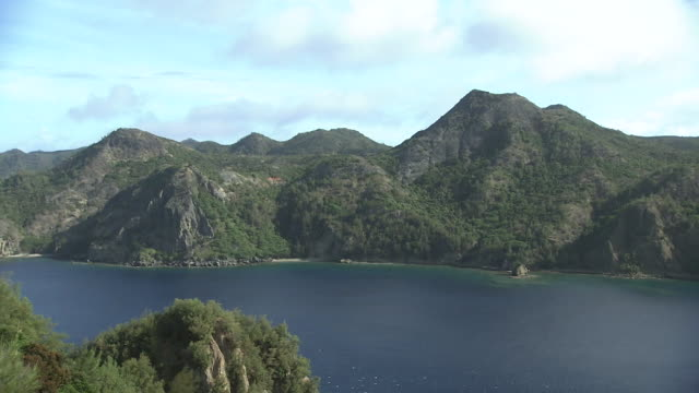 anijima island, ogasawara, japan - desert island stock videos & royalty-free footage