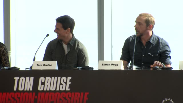 anil kapoor on spening time on the film and with tom cruise at the mission impossible ghost protocol press conference 8th dubai international film... - tom cruise bildbanksvideor och videomaterial från bakom kulisserna