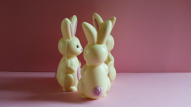 animation of easter bunnies meeting up to dance in a circle. - medium group of objects stock videos & royalty-free footage