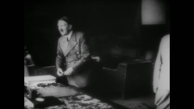 wwii animation of the days of the battle of britain showing the losses in planes before switching to berchtesgaden where adolf hitler and hermann... - luftschlacht um england stock-videos und b-roll-filmmaterial