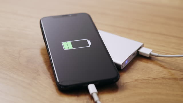 ds animation on a charging mobile phone - lithium ion battery stock videos & royalty-free footage