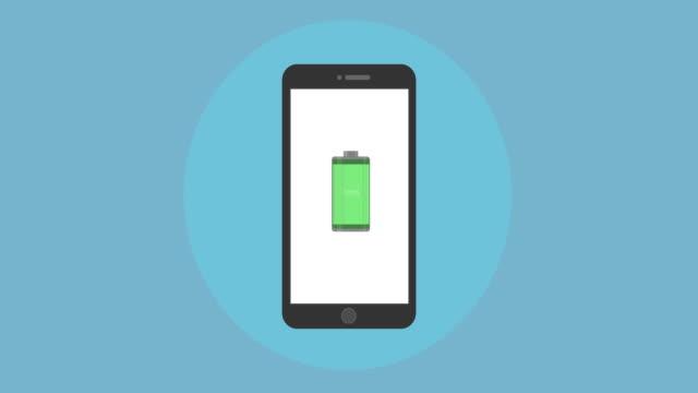 vídeos de stock, filmes e b-roll de animação com um ícone de carregador de bateria verde na tela do telefone. - agenda eletrônica