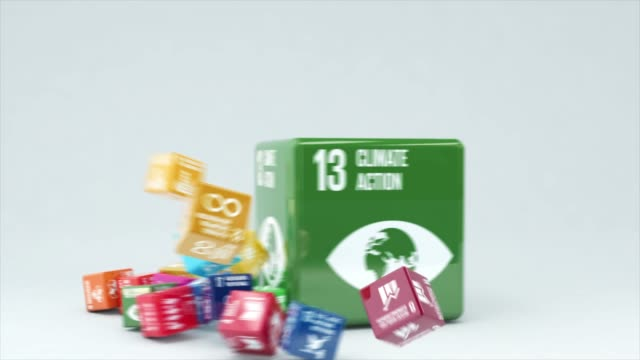 vídeos de stock e filmes b-roll de 3d animation with box climate action - sustainable resources