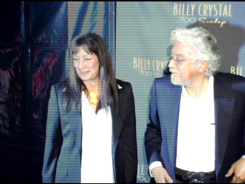 vídeos de stock, filmes e b-roll de anjelica huston and husband robert graham at the los angeles opening night of the tony award winning broadway show billy crystal '700 sundays' at the... - billy crystal