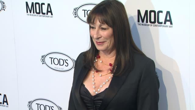 anjelica huston at the diego della valle celebrates tod's boutique and moca's jeffrey deitch at beverly hills ca - anjelica huston stock videos & royalty-free footage