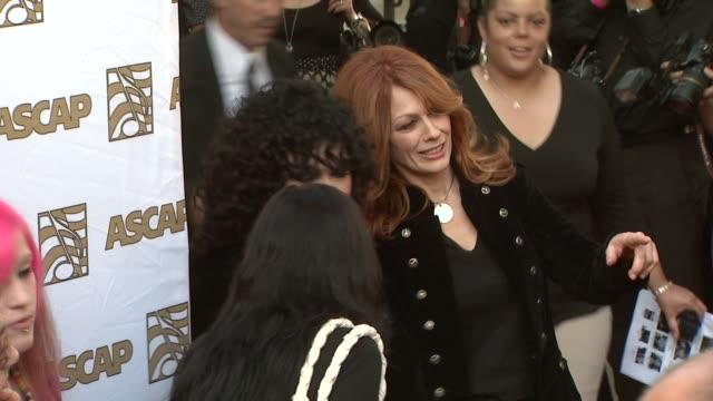 vidéos et rushes de ann wilson, nancy wilson at the 26th annual ascap pop music awards at hollywood ca. - ascap