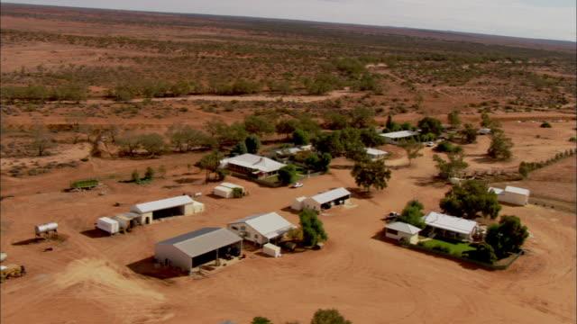 stockvideo's en b-roll-footage met aerial  anna creek station homestead, south australia, australia - anna creek station