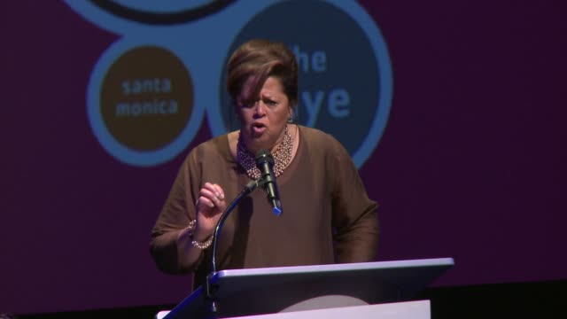anna deavere smith at broad stage director dale franzen announces jazz council and $2.5 million in lead gifts for artistic incubation on 4/8/13 in... - anna deavere smith video stock e b–roll