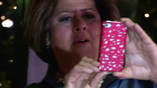 anna deavere smith at mr chow in beverly hills 05/03/12 - anna deavere smith video stock e b–roll