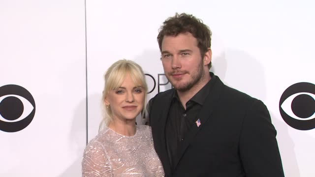 anna faris and chris pratt at the 40th annual people's choice awards - arrivals at nokia theatre l.a. live on in los angeles, california. - people's choice awards stock videos & royalty-free footage