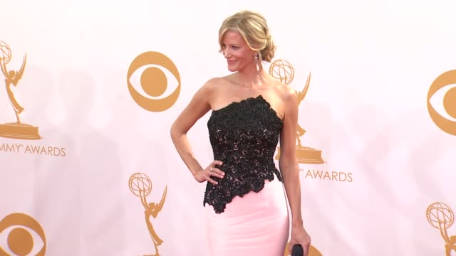 anna gunn at the 65th annual primetime emmy awards arrivals in los angeles ca on 9/22/13 - annual primetime emmy awards stock-videos und b-roll-filmmaterial