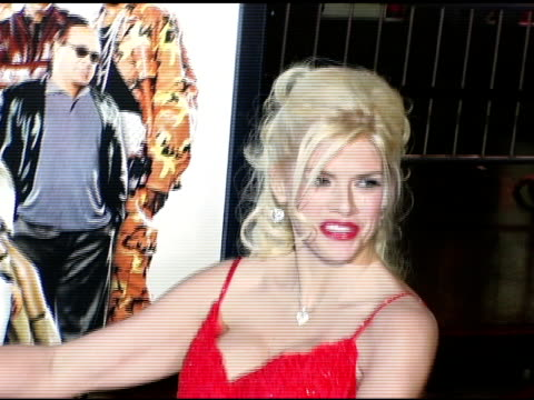 anna nicole smith at the 'be cool' los angeles premiere at grauman's chinese theatre in hollywood, california on february 14, 2005. - anna nicole smith stock videos & royalty-free footage