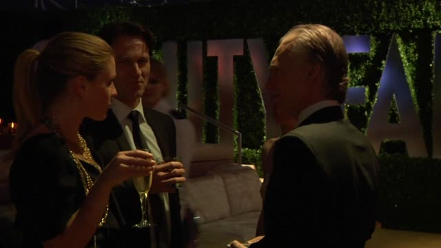 anna paquin stephen moyer and bill maher at the inside the vanity fair oscar party 2010 at west hollywood ca - oscarsfesten bildbanksvideor och videomaterial från bakom kulisserna