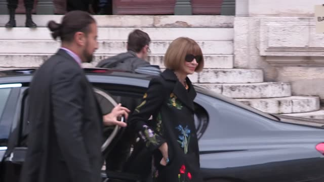 anna wintour at stella mccartney pret a porter fashion week 2016 on march 07 2016 in paris france - stella mccartney marchio di design video stock e b–roll
