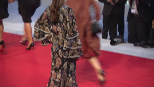 annabelle belmondo at the sisters brothers red carpet arrivals, 75th venice film festival on september 2, 2018 in venice, italy. - tappeto rosso video stock e b–roll