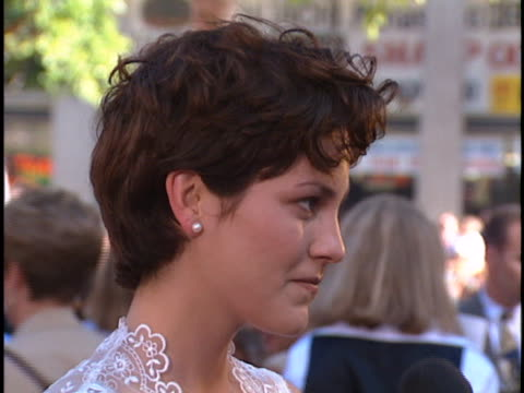 Annabeth Gish at the Wyatt Earp Premiere at Manns Chinese Theater Hollywood