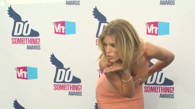 AnnaLynne McCord at the 2010 VH1 Do Something Awards at Hollywood CA