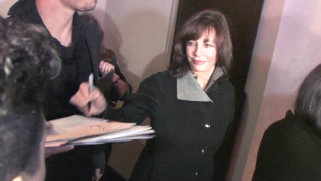anne archer at the celebrity sightings in los angeles at los angeles ca. - anne archer video stock e b–roll