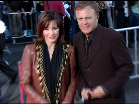 anne archer at the 'ladder 49' premiere at the el capitan theatre in hollywood, california on september 21, 2004. - anne archer video stock e b–roll