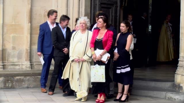 vidéos et rushes de anne hart at westminster abbey on june 07 2017 in london england - ronnie corbett