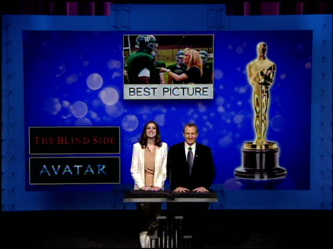 stockvideo's en b-roll-footage met anne hathaway and tom sherak announce the nominees for the 82nd academy awards at the 82nd academy awards nominations at los angeles ca - driekwartlengte