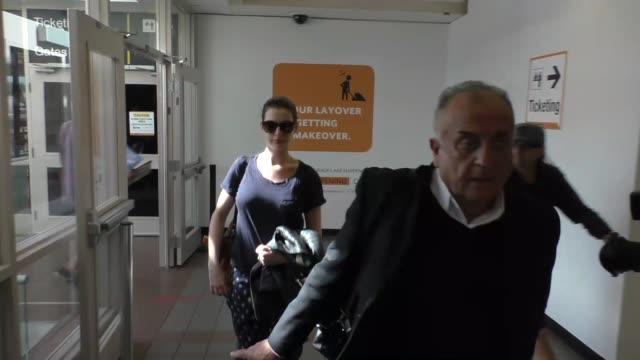 Anne Hathaway at Los Angeles International Airport at Celebrity Sightings in Los Angeles on November 06 2015 in Los Angeles California