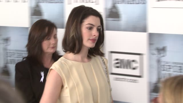 Anne Hathaway at the Film Independent's 2009 Spirit Awards Arrivals Part 2 at Los Angeles CA