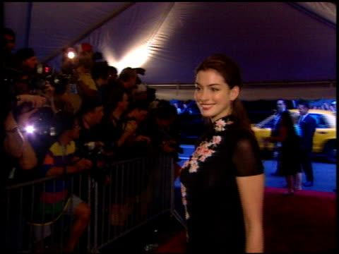 Anne Hathaway at the 'Road to Perdition' New York Premiere on July 9 2002