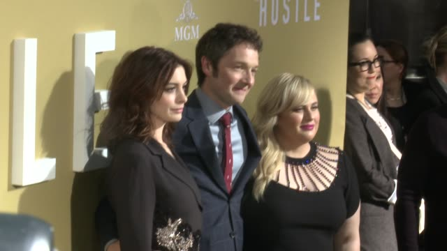 anne hathaway chris addison and rebel wilson at the the hustle world premiere at arclight cinerama dome on may 08 2019 in hollywood california - cinerama dome hollywood stock videos & royalty-free footage