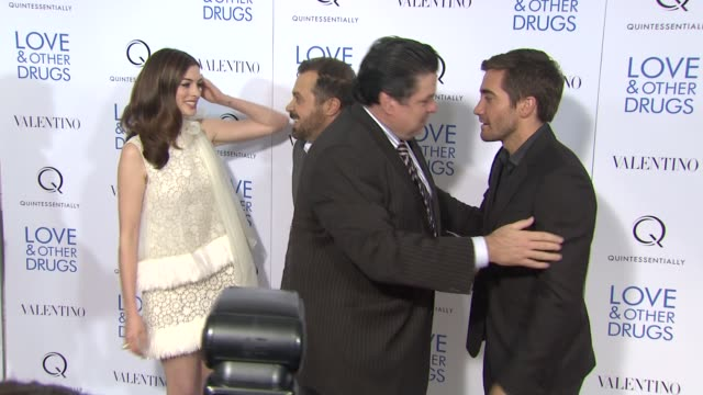 anne hathaway ed zwick oliver platt and jake gyllenhaal at the 'love and other drugs' new york screening at new york ny - oliver platt stock videos & royalty-free footage