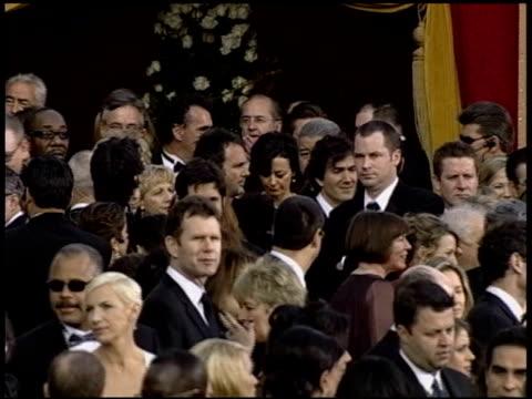 vidéos et rushes de anne lenox at the 2004 academy awards arrivals at the kodak theatre in hollywood, california on february 29, 2004. - 76e cérémonie des oscars