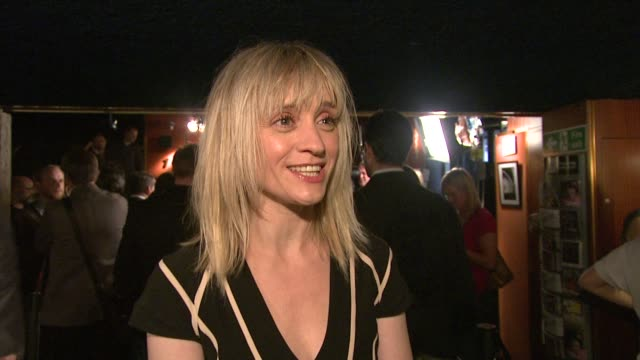 anne-marie duff on playing 'mum' in the movie, on how she chooses her roles . she talks about how starstruck she was when she first met michael caine... - 俳優 マイケル・ケイン点の映像素材/bロール