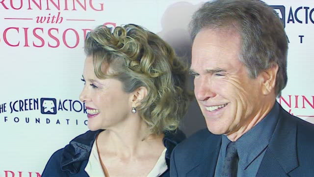 vídeos y material grabado en eventos de stock de annette bening and warren beatty at the tristar pictures presents 'running with scissors' los angeles premiere at academy of motion picture arts &... - academy of motion picture arts and sciences