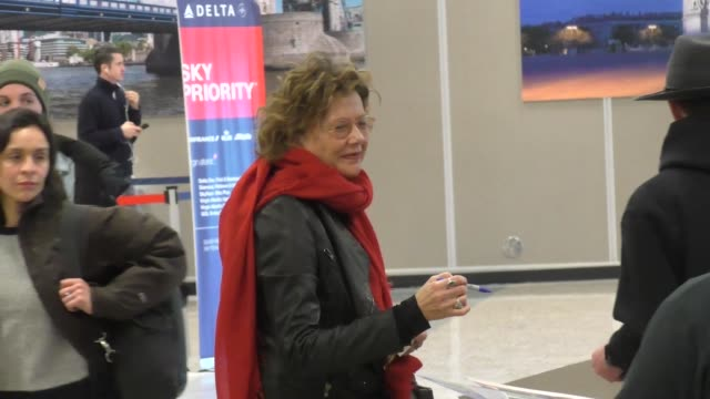 annette bening at sundance film festival at salt lake city airport in salt lake city utah in celebrity sightings in park city - sundance film festival stock videos & royalty-free footage