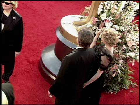 annette bening at the 2000 academy awards at the shrine auditorium in los angeles california on march 26 2000 - 72nd annual academy awards stock videos and b-roll footage