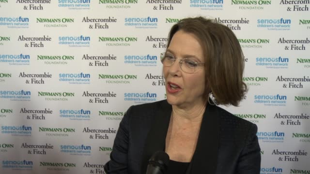 """annette bening on being a part of the night, her fondest memory of paul newman at seriousfun children's network 2015 los angeles gala """"an evening of... - annette bening stock videos & royalty-free footage"""