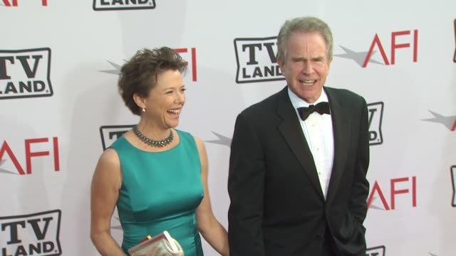annette bening, warren beatty at the 38th afi life achievement award honoring mike nichols at culver city ca. - warren beatty stock videos & royalty-free footage