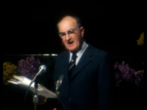 annual conference: hugh scanlon speech; england: worthing cms michael green sof: 'the 2 great issues………..to the end': cms hugh scanlon sof:... - ヒュー・スキャンロン点の映像素材/bロール