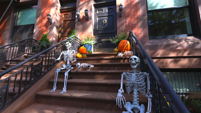 NY: Annual Halloween Decorations In Upper East Manhattan NYC 2021