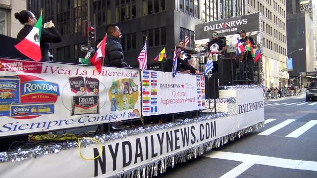 vidéos et rushes de annual hispanic day parade on fifth avenue in manhattan new york city usa on october 11 2015 - char de défilé