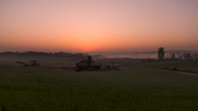 anseong farmland at sunrise / anseong-si, gyeonggi-do, south korea - cottage stock videos & royalty-free footage