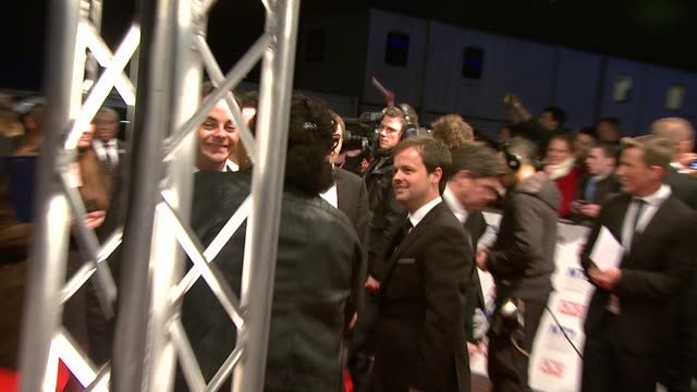 vídeos y material grabado en eventos de stock de ant mcpartlin and declan donnelly at the national tv awards 2010 at london england - ant mcpartlin