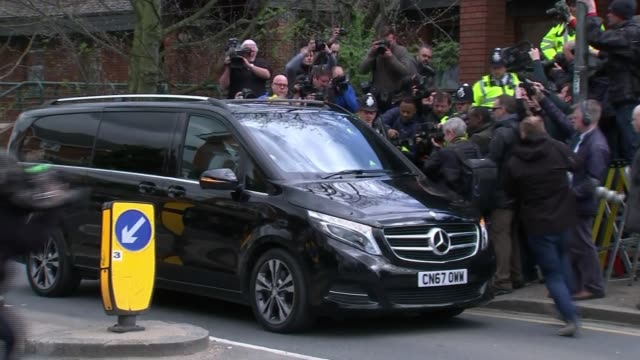 stockvideo's en b-roll-footage met ant mcpartlin fined 86000 pounds after pleading guilty to drink driving england london wimbledon magistrates' court photography** car arriving at... - ant mcpartlin