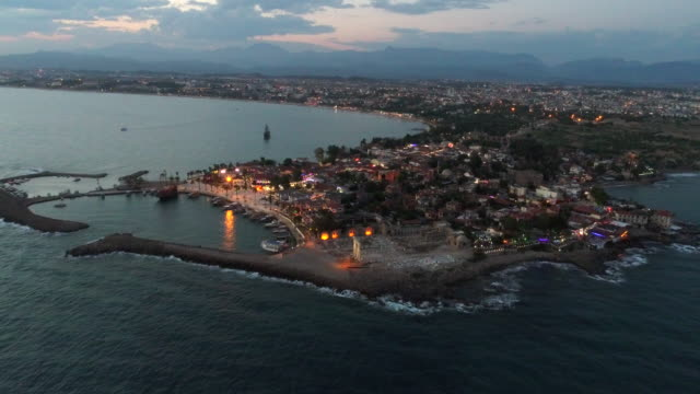 Antalya Side antike Stadt in der Nacht
