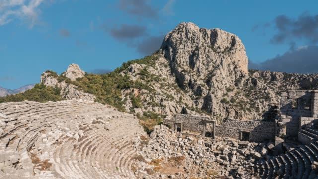 stockvideo's en b-roll-footage met antalya termessos oude theater - amfitheater