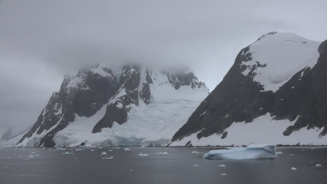 Antarctica Lemaire Channel time lapse.mov