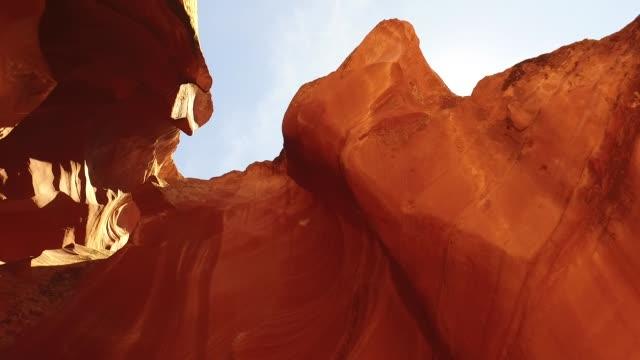 antelope canyon sky shot of canyon entrance - slot canyon stock videos & royalty-free footage