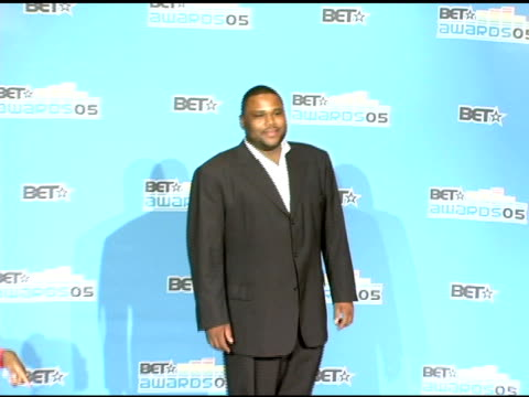 anthony anderson at the 2005 bet awards press room at the kodak theatre in hollywood, california on june 29, 2005. - anthony anderson stock videos & royalty-free footage