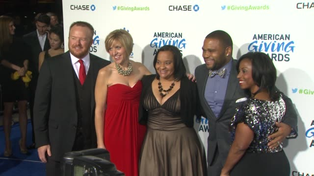 anthony anderson at the 2nd annual american giving awards presented by chase on in pasadena, ca. - anthony anderson stock videos & royalty-free footage